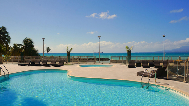 Karibea-Beach-Resort-Gosier-piscine